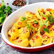 Pasta italienische Art: gefüllte Nudeln mit Fleisch